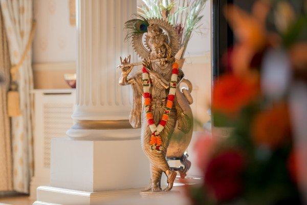 Lord Krishna Wedding Statue